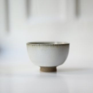 Small Japanese teacup from Seiryūgama - Japanese ceramics